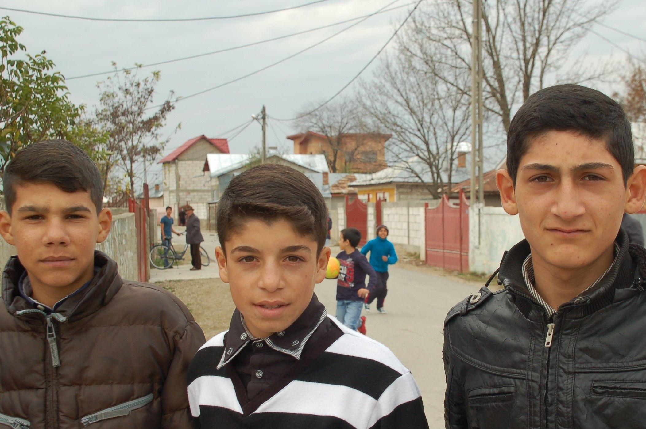 Drei Jungen aus Fantanele