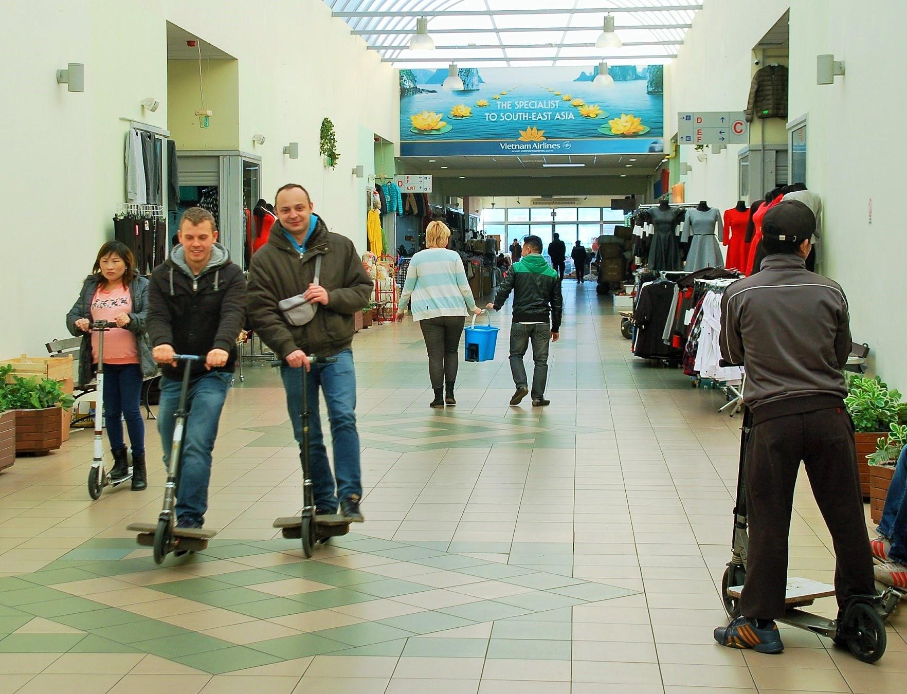 Passage_Vietnam Handelszentrum_Warschau_Katrin Lechler_1 (3)